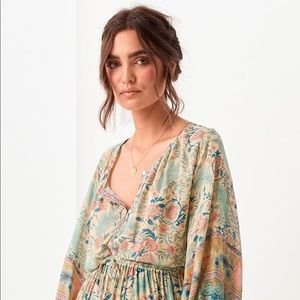 Spell and the gypsies Oasis blouse